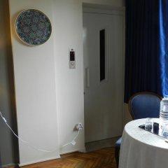 Отель Berk Guesthouse - 'Grandma's House' 3* Стандартный семейный номер с двуспальной кроватью фото 32