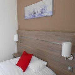 Отель De Paris Montmartre Париж комната для гостей фото 4