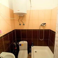 Гостиница Tchaykovsky Hostel Украина, Львов - отзывы, цены и фото номеров - забронировать гостиницу Tchaykovsky Hostel онлайн ванная