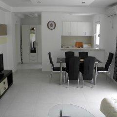 Апартаменты Apartments Rafailovici комната для гостей фото 4