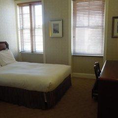 Отель Embassy Inn 2* Стандартный номер с различными типами кроватей фото 8