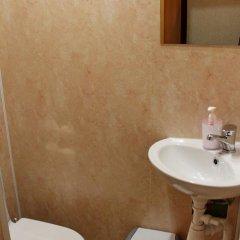 Hostel Grey Кровать в мужском общем номере с двухъярусной кроватью фото 10