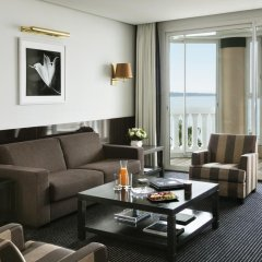 Hotel Barriere Le Majestic 5* Люкс Christian Dior с различными типами кроватей фото 6