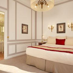 Hotel Regina Louvre 5* Номер Делюкс с двуспальной кроватью