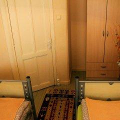 Levanten Hostel Стандартный номер 2 отдельные кровати (общая ванная комната) фото 2