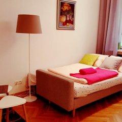Апартаменты Cozy Apartment Old Town Варшава комната для гостей фото 3