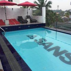 Отель Sansu Шри-Ланка, Коломбо - отзывы, цены и фото номеров - забронировать отель Sansu онлайн бассейн фото 3
