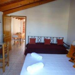 Апартаменты Pettas Apartments комната для гостей фото 3