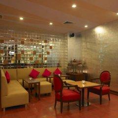Отель Royal Orchid Central Jaipur интерьер отеля