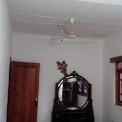 Отель Sharaz Guest Inn Шри-Ланка, Бандаравела - отзывы, цены и фото номеров - забронировать отель Sharaz Guest Inn онлайн удобства в номере фото 2