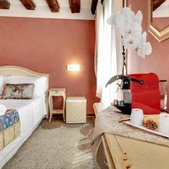 Отель Alloggi Al Gallo 2* Стандартный номер с двуспальной кроватью фото 12