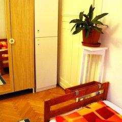 Boomerang Hostel and Apartments Стандартный номер с двуспальной кроватью (общая ванная комната) фото 2