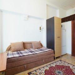 Апартаменты To Lviv Econom Studio комната для гостей
