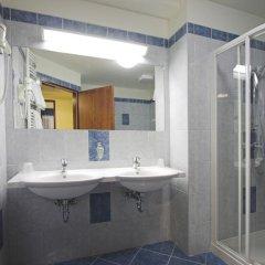 Отель Benczúr 3* Улучшенный номер с двуспальной кроватью фото 4