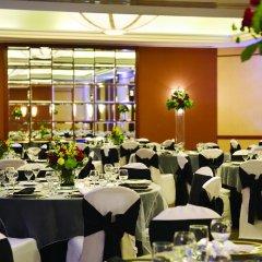 Отель Hilton Suites Chicago/Magnificent Mile