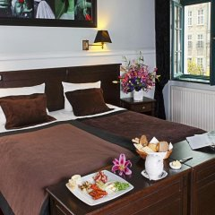 Отель Holland House Residence Old Town в номере
