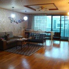 Отель Enough Guesthouse комната для гостей