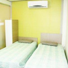 Отель Patio 59 Hongdae Guesthouse 2* Номер категории Эконом с 2 отдельными кроватями фото 9