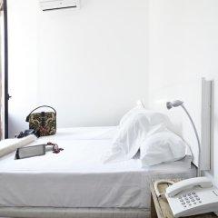 Отель Som Nit Born Стандартный номер с 2 отдельными кроватями фото 2