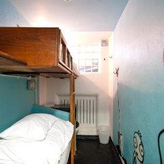 Clink78 Hostel Стандартный семейный номер с двуспальной кроватью (общая ванная комната) фото 4