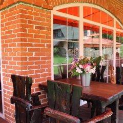 Гостиница 4 Peaks Guest House питание фото 3