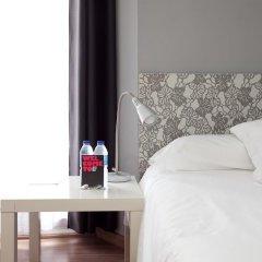 Отель Hostal Nitzs Bcn Стандартный номер с двуспальной кроватью (общая ванная комната)