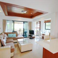 Отель Surin Sabai Condominium II Пхукет комната для гостей