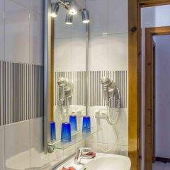 Отель Hostal Pericón Испания, Кониль-де-ла-Фронтера - отзывы, цены и фото номеров - забронировать отель Hostal Pericón онлайн ванная фото 2