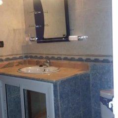 Отель Tanger Beach Appartment Марокко, Танжер - отзывы, цены и фото номеров - забронировать отель Tanger Beach Appartment онлайн ванная