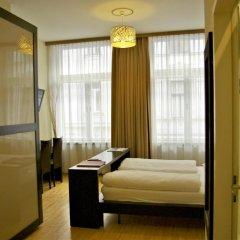 Отель Pension a und a комната для гостей