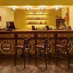 Three Crowns Hotel гостиничный бар