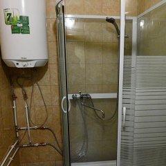Гостиница Smorodina Hotel & Hostel в Новосибирске отзывы, цены и фото номеров - забронировать гостиницу Smorodina Hotel & Hostel онлайн Новосибирск ванная
