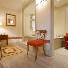 Отель Palazzo Niccolini Al Duomo 4* Номер Делюкс с различными типами кроватей фото 7