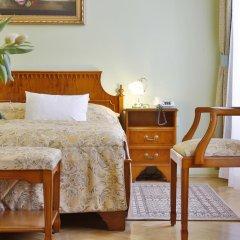 Отель Kolonada 4* Стандартный номер с двуспальной кроватью