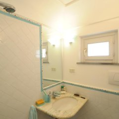 Отель La Terrazza Di Minori Минори ванная