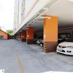 Отель ZEN Rooms Ramkhamhaeng Mansion парковка