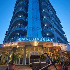 Отель Family Hotel Regata Болгария, Поморие - отзывы, цены и фото номеров - забронировать отель Family Hotel Regata онлайн вид на фасад фото 5
