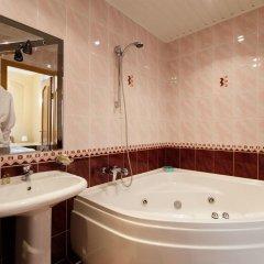 Гостиница ИжОтель 3* Люкс с двуспальной кроватью фото 10