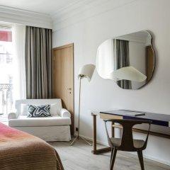 Отель Hôtel Vernet 5* Улучшенный номер с различными типами кроватей фото 7