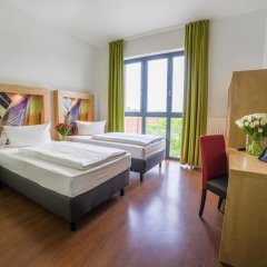 H+ Hotel 4 Youth Berlin Mitte 2* Стандартный номер с двуспальной кроватью фото 5