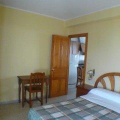 Отель Hostal Matazueras удобства в номере