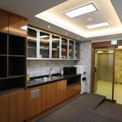 Отель STEP INN Myeongdong 1 в номере