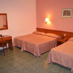 Отель Cuatro Naciones 2* Стандартный номер с различными типами кроватей фото 9