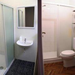 Отель Guest House Pirelli 3* Стандартный номер с двуспальной кроватью (общая ванная комната) фото 2