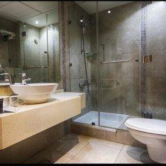 Отель Crystal Suites ванная