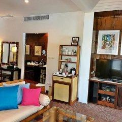 Отель Mom Tri S Villa Royale пляж Ката интерьер отеля