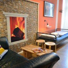 Kiez Hostel Berlin Кровать в мужском общем номере с двухъярусной кроватью фото 3