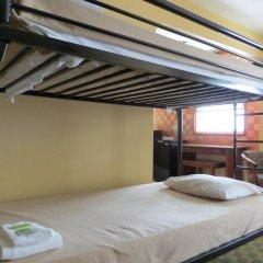 Отель Downtown Value Inn Кровать в общем номере с двухъярусной кроватью фото 10