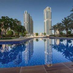 Отель Yanjoon Holiday Homes - Marina Tower бассейн