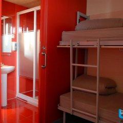 Barcelona Urbany Hostel Кровать в общем номере с двухъярусной кроватью